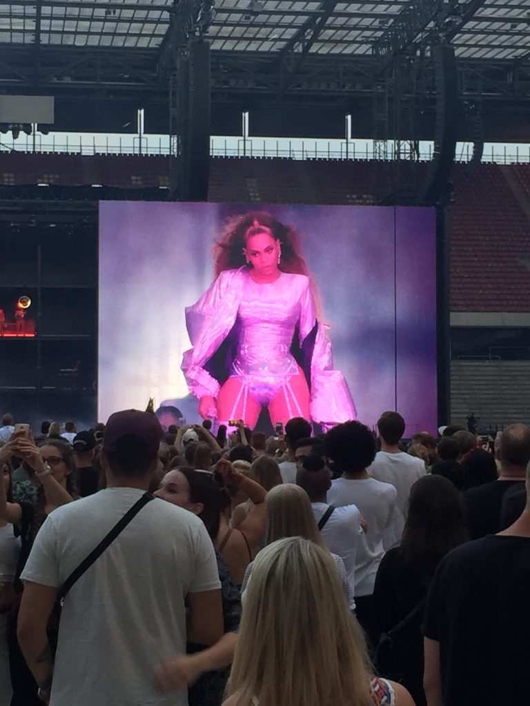 outfit goals otr2 beyoncejayz who run the world rhein energie stadion germany