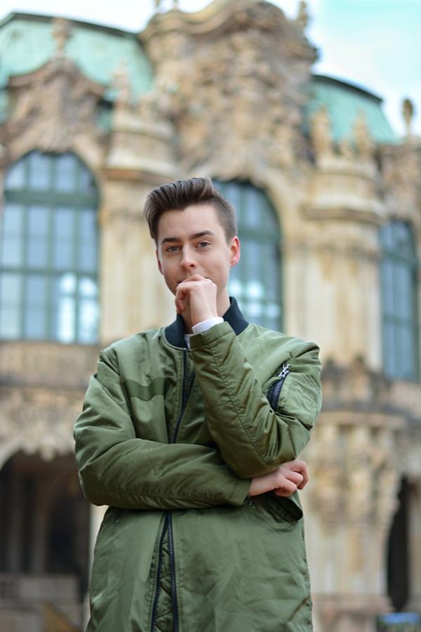 Modeblogger Pierre Engelmann im Zwinger in Dresden