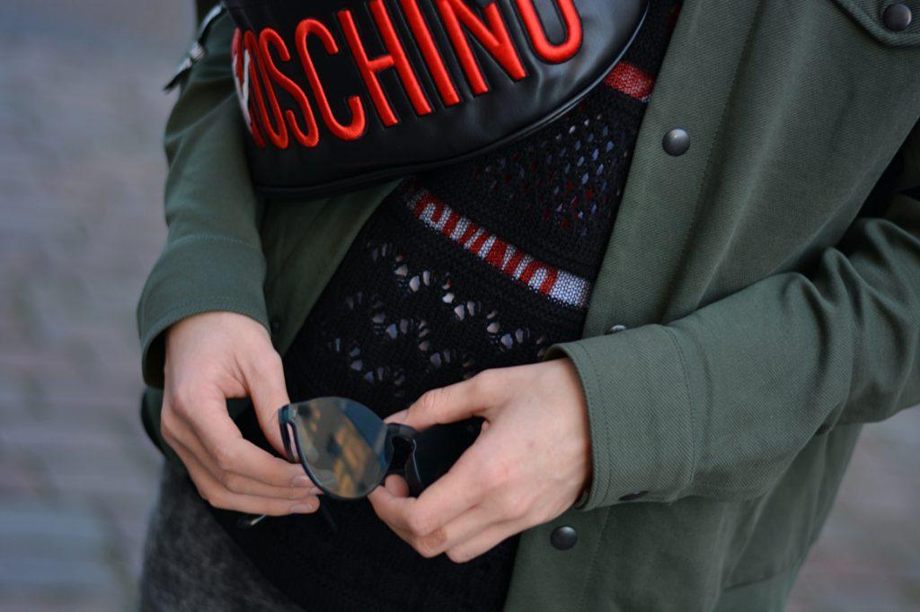 Detailaufnahme bei der Berlin Fashion Week. durchsichtige Brille