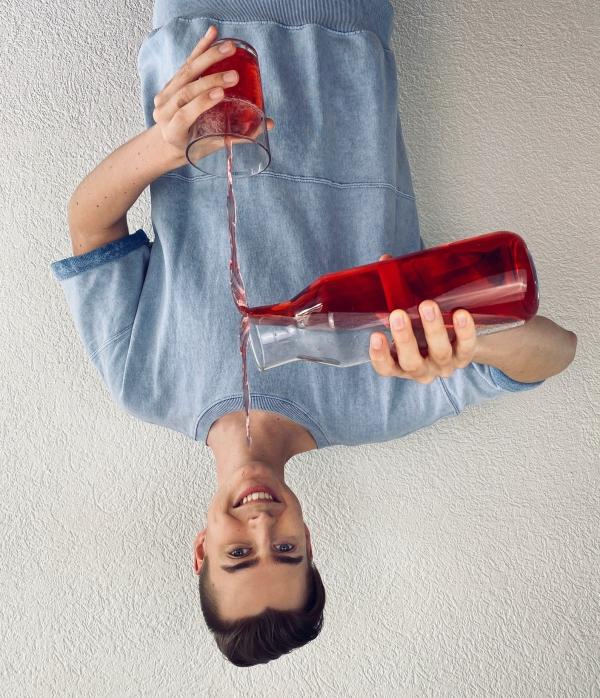 kreatives Foto Projekt mit roter Flüssigkeit