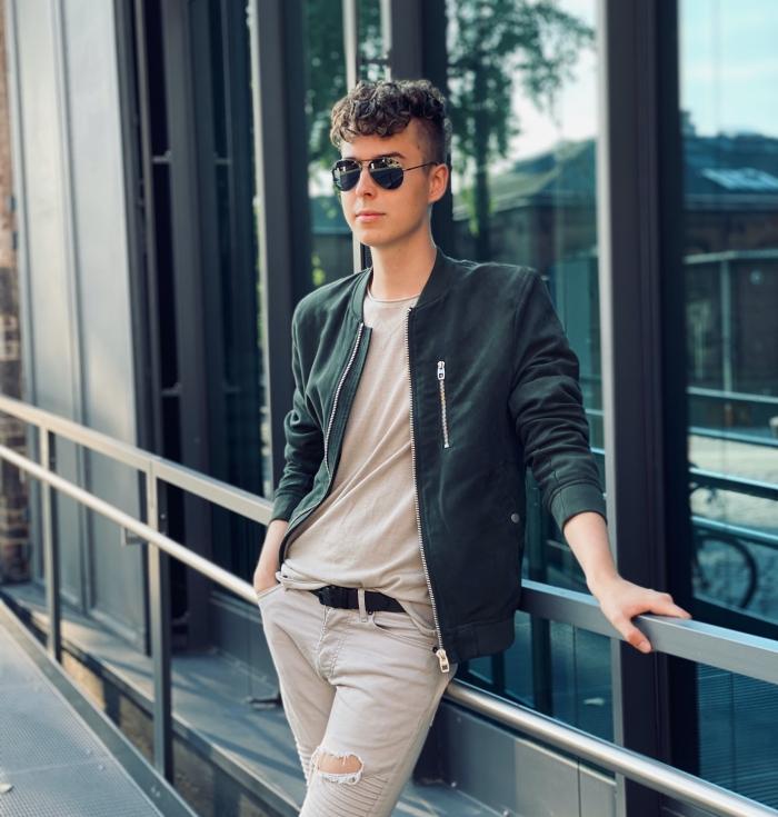 Modeblogger Pierre Engelmann unterschätzt in diesem  Monat ein großes Projekt